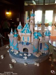 disneyland60 sleeping beauty castle cake in the grand californian