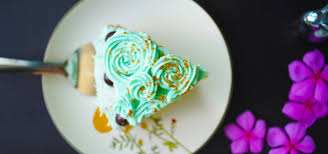 classic vanilla cake with buttercream frosting foodcow