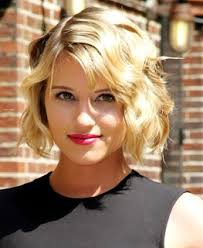 hairstyle square face wavy hair short wavy hairstyles section 01