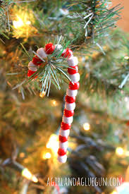 easy christmas craft a and a glue gun