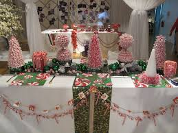 Christmas Paper Table Decoration by Holiday Table Inspiration Prestonbailey Com