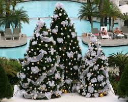 Hawaiian Christmas Decorations Outdoor by 12 Best Christmas In Hawaii Images On Pinterest Hawaii Coastal