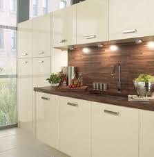 Walnut Kitchen Ideas Gloss And Walnut Kitchens Pinterest Kitchens Cream Gloss
