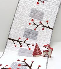 red and white table runner 251 best table runner images on pinterest pointe shoes quilt