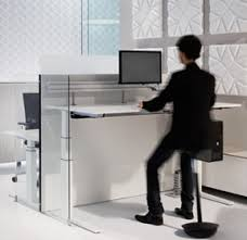 sitting and standing bene office furniture