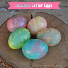 how to make easter eggs easy marbled easter eggs tutorial make life lovely
