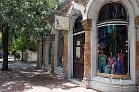 what to do on bull street savannah ga savannah com the christmas shop