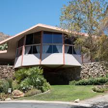 8 mid century houses in palm springs that will make you dream