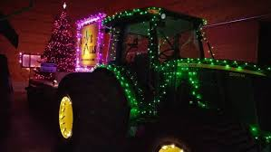 christmas light parade floats l o v e them oils float takes best themed award in christmas in