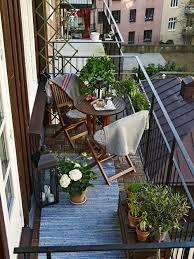 kleine balkone die besten 25 kleine balkone ideen auf kleiner balkon