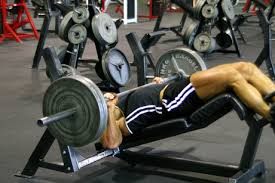 Flat And Incline Bench How To Target The Upper And Lower Chest Pectorals Sports