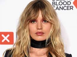 hairstyles to suit fla curtain fringe the hairstyle everyone will be asking for this
