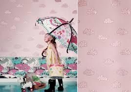papier peint chambre bebe fille papiers peints célestes pour une chambre d enfant au fil des