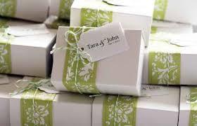 wedding guest gifts ideas of presenting wedding favors weddingelation