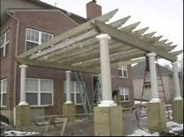 Attaching Pergola To House by How To Build A Pergola Or Trellis Attaching Cross Beams To