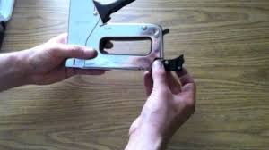 Bostitch M3 Stapler by How To Put Staples In A Craftsman Stapler Model 968447 Youtube