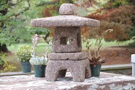 hypertufa garden lantern 18 tall square taupe color