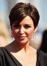 kris jenner haircut side view layered razor cut hairstyles weekly