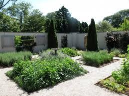 ina garten garden garden voyeur the barefoot contessa s garden barefoot contessa