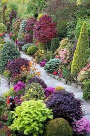 pictures of beautiful gardens with flowers beautiful gardens with shrubs and trees and flowers beautiful