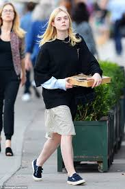 Free Makeup Classes Nyc Elle Fanning Goes Makeup Free As She Picks Up Pizza In Nyc Daily