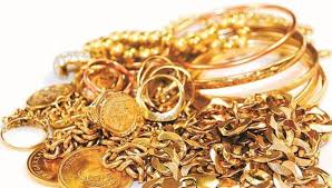 domestic help flees with gold ornaments worth 8 42 lakh from