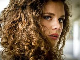long curly hair style for lawyer does having curly hair hurt your career business insider