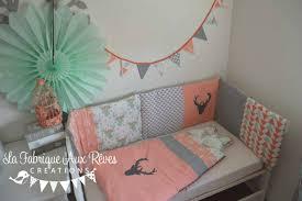 chambre b b vert décoration chambre bébé mint vert d eau corail gris argenté