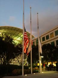 When Should The American Flag Be Flown At Half Mast File Apple Flags Half Mast Jpg Wikimedia Commons