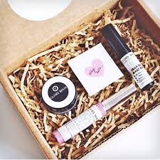 makeup gift baskets 33 best makeup gift sets seriously dodo burd