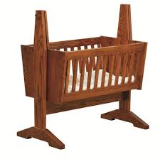 Natural Solid Wood Furniture Traditional Wooden Baby Cradle With Beautiful Natural Pattern From