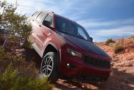 jeep grand cherokee trailhawk off road puddle jumper 2017 jeep grand cherokee trailhawk jeep for you