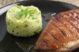 cuisiner un filet de canard recettes magret de canard par l atelier des chefs