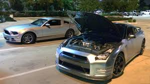 how much horsepower does a 2014 mustang v6 v6 mustang smokes a 720hp gt r