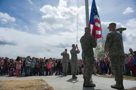 Soldiers Lifting Flag Mhafb Primary Receives New Flag Pole U003e Mountain Home Air
