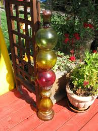 Glass Garden Art Wow Thats A Busy Garden My Garden Junk Art