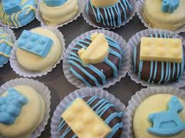 baby shower favor oreos 16 oreos gourmet decorated blue yellow