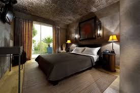 Laminate Flooring In Bedrooms Bedroom Interior Decoration Ideas With White Bedcover Laminate