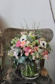 composition florale avec des roses les 25 meilleures idées de la catégorie vase de fleurs sur