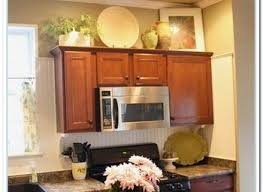ideas for on top of kitchen cabinets kitchen cabinets decorating ideas yeo lab com