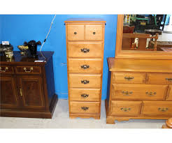 roxton made in canada solid maple 5pc bedroom suite 8 drawer image 2 roxton made in canada solid maple 5pc bedroom suite 8 drawer dresser