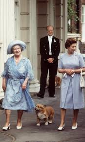 Queen Elizabeth Dogs Queen Elizabeth And Her Corgis 11 Facts To Know Hello Us
