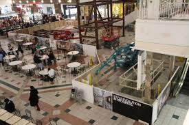 santa sledgehammers kick pentagon city mall renovation preview