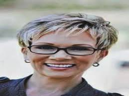 short hairstyles for over 60 with glasses archives