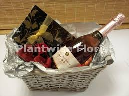 Wine And Chocolate Gift Baskets Sparkling Rose Wine Gift Hamper With Chocolates In Beautiful Gift
