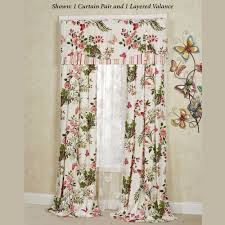 Floral Curtains Points To Remember While Choosing A Floral Curtain