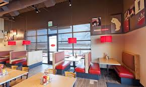 Fast Casual Restaurant Interior Design Smashburger Introduces New Restaurant Design Restaurantnews Com