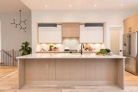 how to paint oak veneer kitchen cabinets oak kitchen cabinet doors painted white page 1 line 17qq
