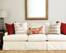 Living Room Sofa Pillows Guide To Choosing Throw Pillows How To Decorate