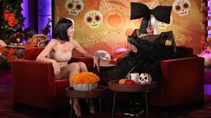 halloween spirit videos ellen degeneres and heidi klum dress as sia and maddie ziegler for